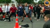 Des bikers et des étudiants font un haka devant l'une des mosquées visées à Christchurch !