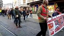 Début du cortège des manifestants rassemblés pour la journée d'action du 19 mars à Strasbourg