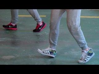 Pasos básicos de Hip Hop   Happy Feet