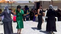 Bayanlardan Kaşık Oyunu Gaydalama - Emirdağ Köy Düğünü