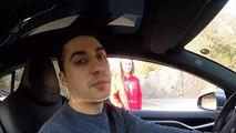 Il teste l'autopilot de sa Tesla sur sa femme