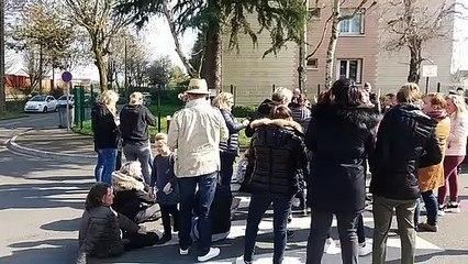 Manifestations de foraines près du domicile du maire du Mans, Stéphane Le Foll