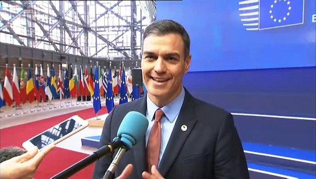 Sánchez esquiva la polémica de los lazos y lo deja todo en manos de la Junta Electoral