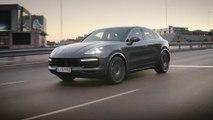 Porsche Cayenne Turbo Coupé Driving Video