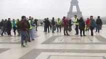 Interdits de Champs-Élysées, des gilets jaunes prévoient un sitting place du Trocadéro