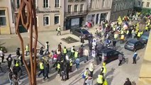 Le cortège des gilets jaunes descend vers la place de Chambre à Metz