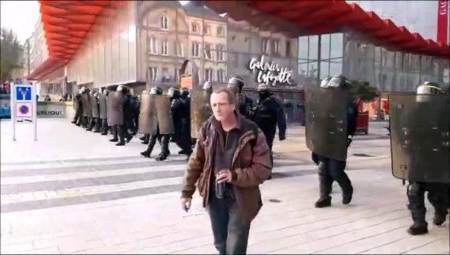 Metz : dernière charge des CRS, les gilets jaunes sont dispersés