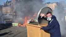 Blocages, caravanes incendiées et mairie évacuée. Des centaines de forains se sont violemment opposés aux forces de l'ordre au Mans