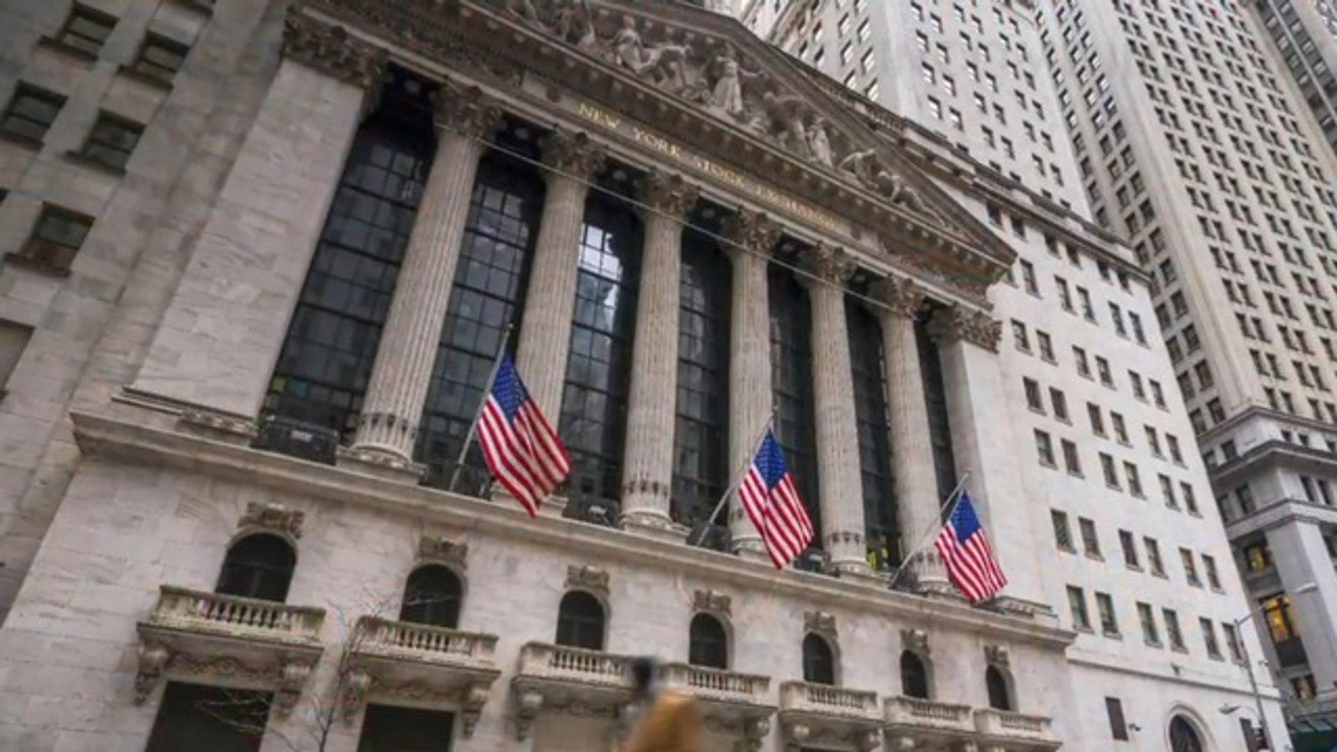 Wall Street bonuses outpace minimum wage