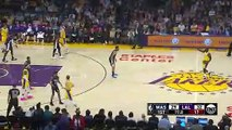 Basket-Ball - NBA - Lance Stephenson Breaks Jeff Greens Ankles Lakers Bench Goes Wild - Wizards vs Lakers