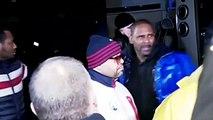 En pleurs, le chanteur R. Kelly nie les accusations d'abus sexuels