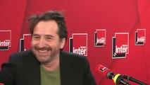 Edouard Baer raconte sa rencontre avec François-Xavier Bellamy dans le hall de la maison de la radio.
