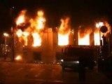 Continúan los disturbios en Grecia horas antes del funeral del joven muerto por la Policía
