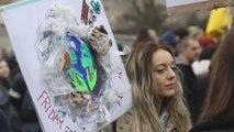 Greta Thunberg se manifiesta junto a miles de jóvenes en Berlín contra el cambio climático