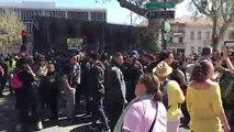 Gilets jaunes à Avignon : les policiers laissent sortir les manifestants au compte-goutte