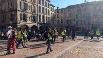 Acte XX des gilets jaunes à Epinal : les manifestants traversent la place des Vosges
