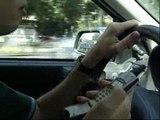 Los partidos políticos quieren que se anule la multa al conductor que sea sancionado por hablar por el móvil