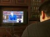 Los desempleados se pegan al televisor para ver el Debate