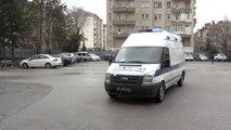Oy Kullanmaya Ambulansla Götürüldüler