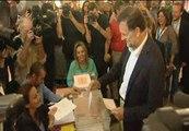 Rajoy vota en un colegio de Aravaca