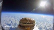 Le rêve de cet homme : goûter un hamburger qui a voyagé dans l'espace