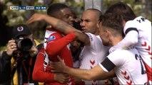 Pays-Bas - Emanuelson ouvre le score pour Utrecht d'un coup-franc malin
