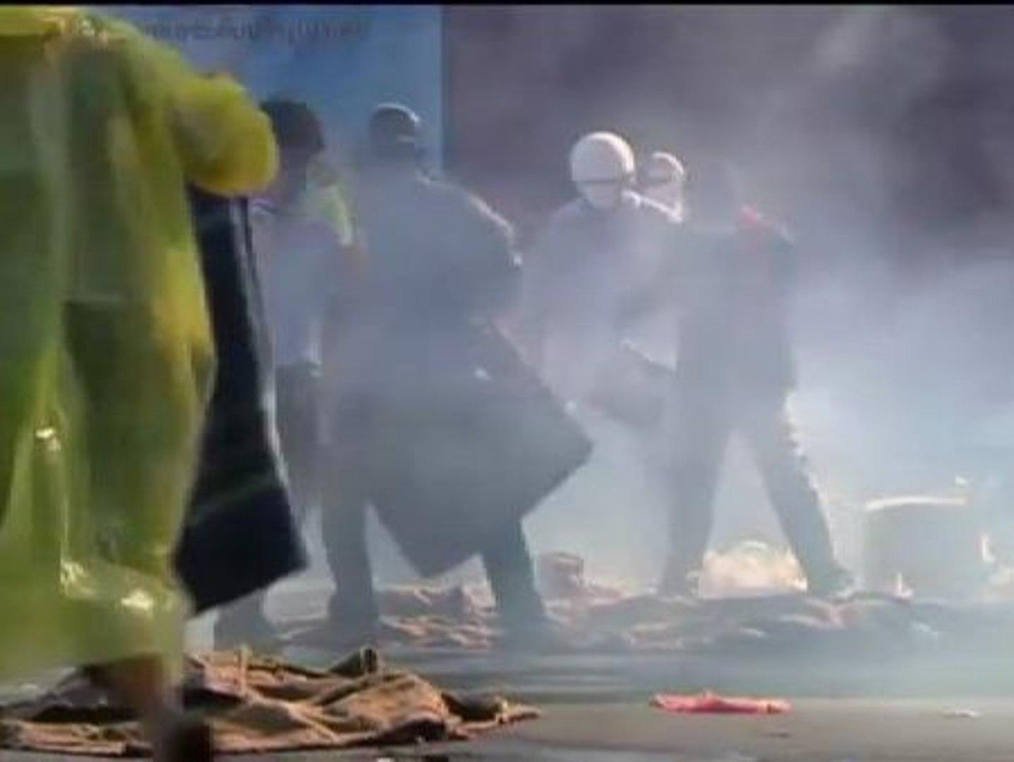 Aumenta el grado de violencia en  las protestas antigubernamentales en Bangkok