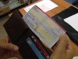 Un trabajador se encuentra en el metro de Madrid un cheque por valor de dos millones de dólares
