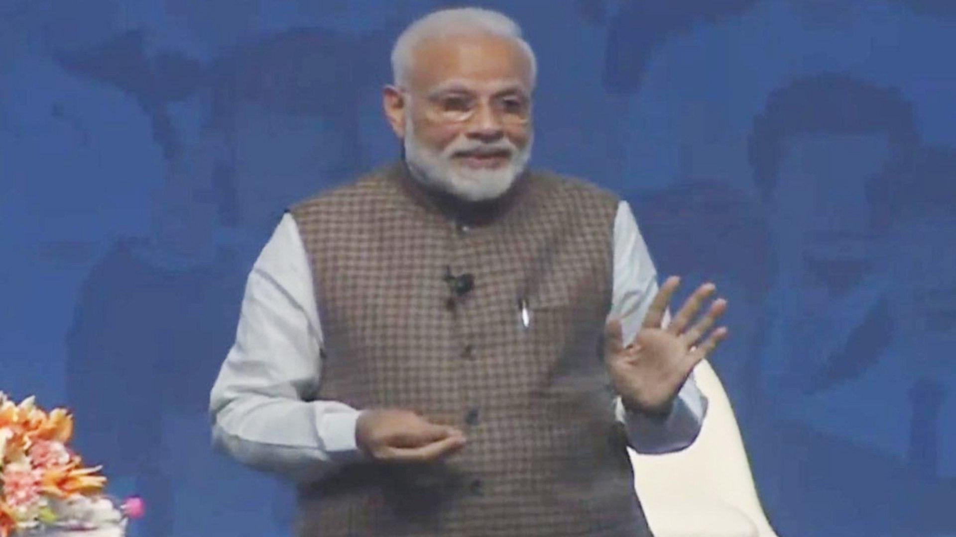 PM Modi ने Air Strike को चुनाव से जोड़नेवालों को दिया मुंहतोड़ जवाब | वनइंडिया हिंदी