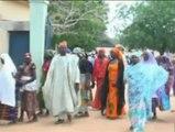 Las madres de las 200 niñas secuestradas en Nigeria piden una acción del gobierno