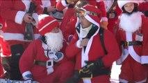 Cientos de Papá Noel se pone los esquíes y renuevan el espíritu navideño