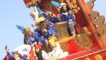 Los Reyes Magos se despiden visitando una residencia de ancianos en Sevilla