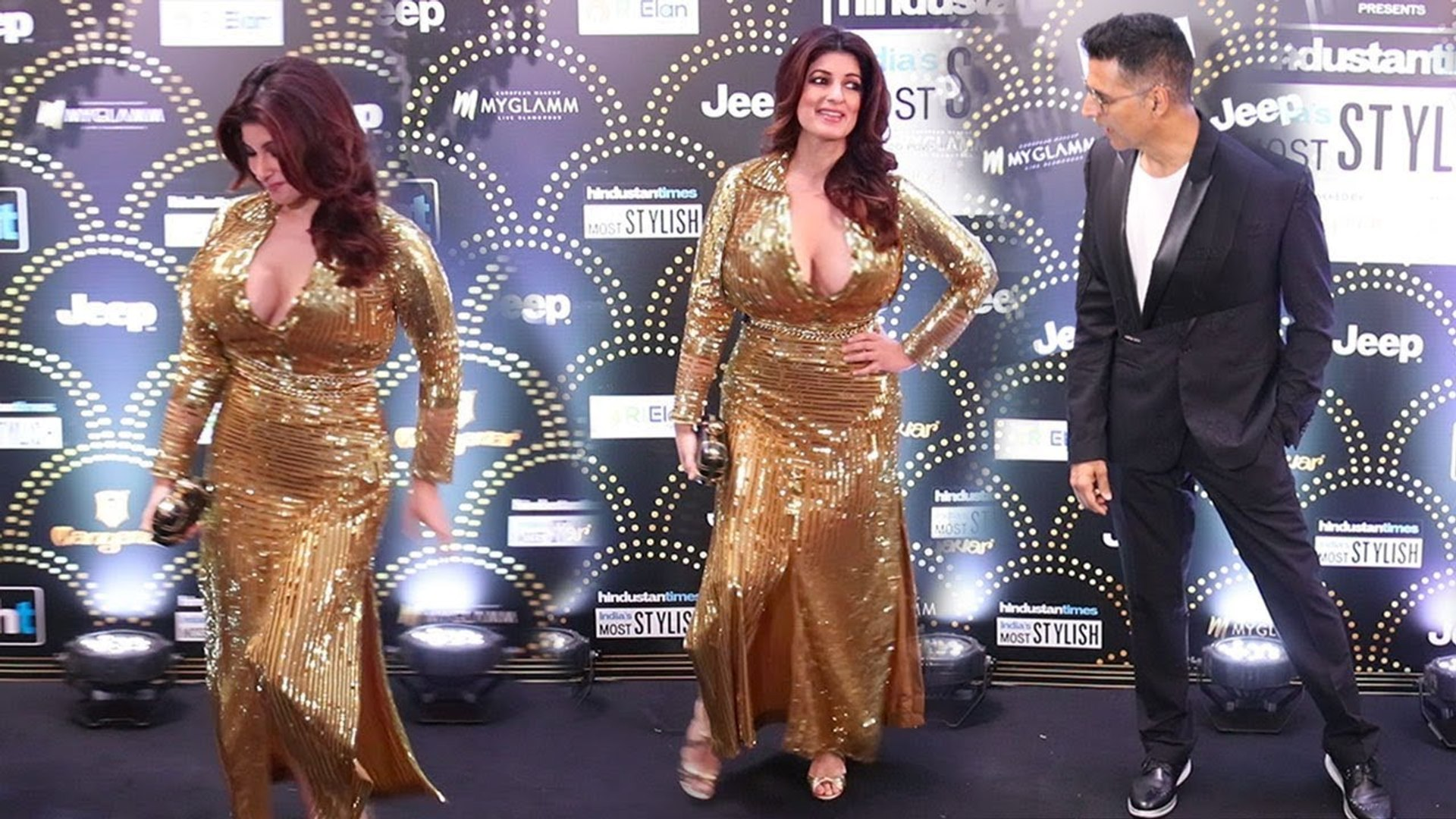 Akshay Kumar With Wife Twinkle Khanna At Red Carpet Of HT Most Stylish Awards 2019 Wid Other Celebs