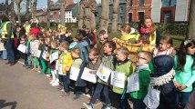Saint Symphorien : Les enfants ont marché pour le climat.Video 1 Eric Ghislain