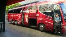 Sevilla-Alavés: Llegada del autobús del Sevilla al Sánchez Pizjuán