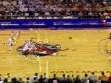 NBA BASKETBALL - Vince Carter alley oop dunk