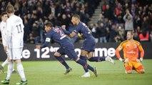 Paris Saint-Germain v RC Strasbourg Alsace: Inside