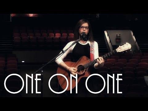 ONE ON ONE: Lisa Loeb - No Fairy Tale New York City 05/22/14