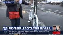 Les images du vélo blanc installé en face de l'Assemblée nationale, un an après la mort d'une assistante parlementaire