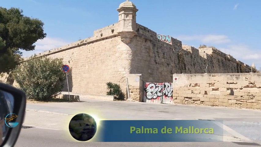 """Palma, Hauptstadt der Insel, mit """"La Seu""""."""
