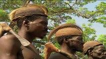 Tribus Cazadoras - Tribus y Etnias  Bộ lạc và các nhóm dân tộc