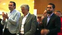 FC Martigues: les images de l'arrivée du nouveau partenaire Vartan Sirmakès