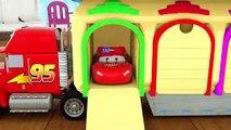 La Police Mcqueen entre dans le garage et a remplacé le pneu, il apprend de moyens avec la rue de véhicules