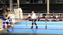 La simulation ridicule d'un boxeur