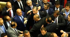 Ankara Belediye Meclis Toplantısında Kavga Çıktı, Mansur Yavaş Araya Girdi