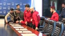 Ankara Şampiyon Güreşciler Ankara Büyükşehir Belediye Başkanı Mansur Yavaş'ı Ziyaret Etti