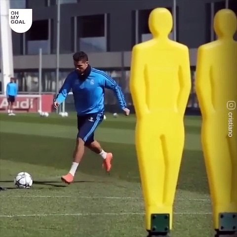 Cristiano Ronaldo n'abandonne JAMAIS !