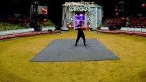 Juggler Creates Amazing Floating Ball Illusion While Juggling