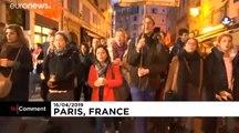 Les catholiques se rassemblent et défilent après l'incendie de Notre-Dame