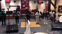 Ces congolais ont une superbe chorégraphie de danse. Admirez !